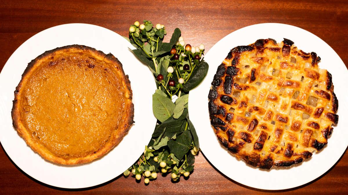 Apple pie and pumpkin pie