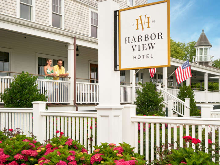 Harbor View Hotel sign