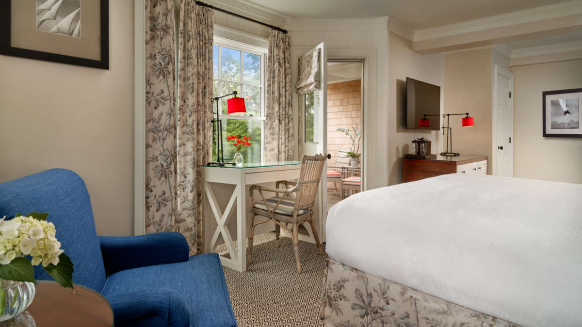 Bedroom with small writing desk