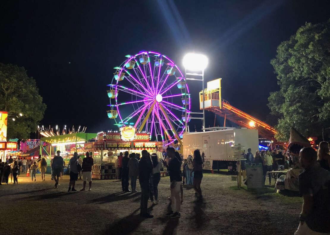 at night a ferris wheel